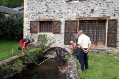 Pêche électrique de sauvegarde dans le cadre des travaux d'effacement du seuil du Moulin de la Borie sur la Boralde de Saint-Chély
